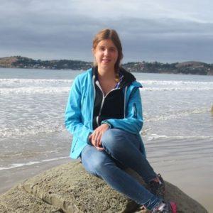weltweiser · Schülerin vor dem Meer
