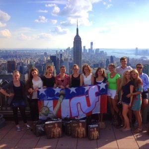 Gruppenbild einer Jugendreise mit ruf nach New York
