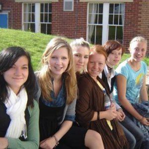 Gruppenfoto von Jugendlichen in England